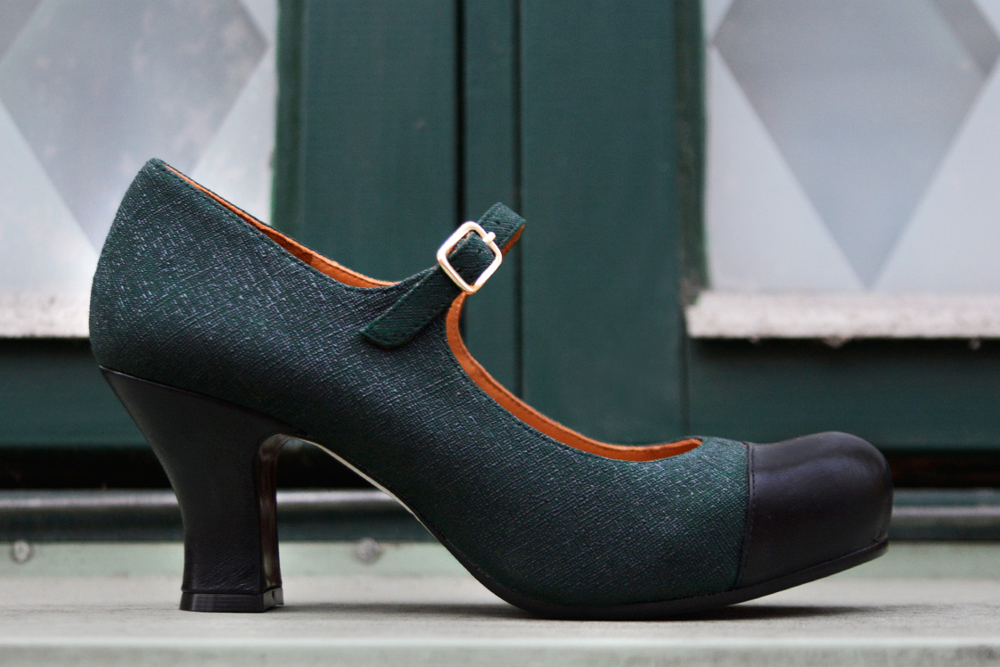 נעליים של Chie Mihara - בצבע ירוק כהה עם עקב שחור