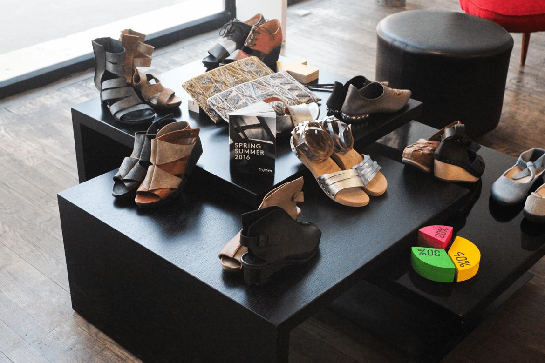 נעליים מדגמים שונים מקטלוג שופרא אביב 2016 בחנות שופרא