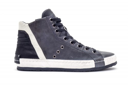 נעליים כחולות של Crime