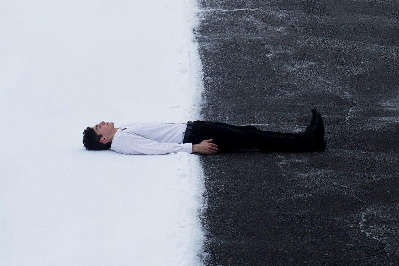 צילום - אדם בשחור ולבן