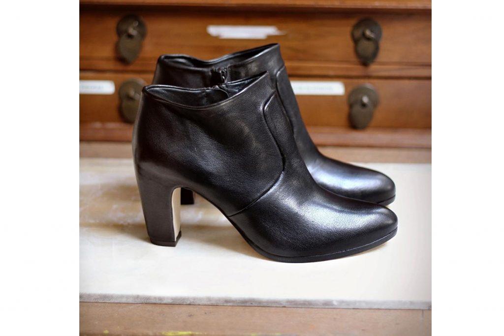 נעלי ויאליס בסייל